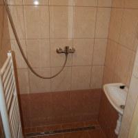 Společná koupelna a WC pro pokoje 6,7,8